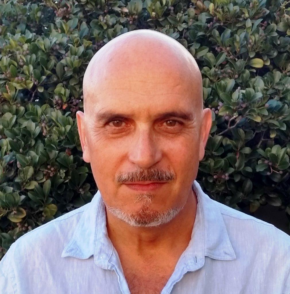 Carlos Ruiz Sebastian is a scientist, a healer and a counsellor, and founder of freesouls in Cape Town - Image: Carlos Ruiz Sebastian